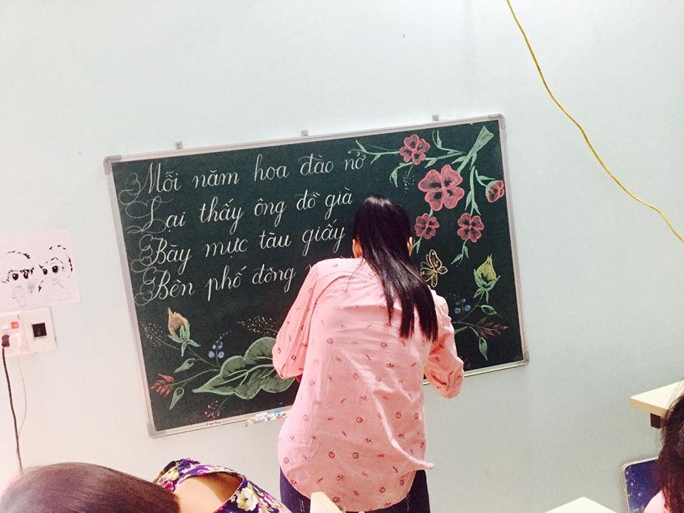 luyen viet bang 4 - Kỹ năng luyện viết bảng đẹp dành cho học viên và giáo viên