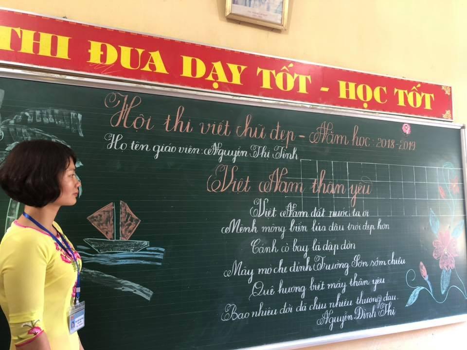 viet bang dep 12 - Ngưỡng mộ bài thi viết bảng đẹp của giáo viên trường Lâm Giang