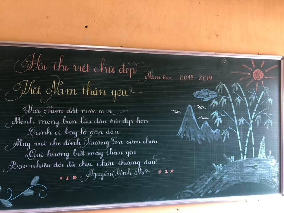 viet bang dep 8 - Ngưỡng mộ bài thi viết bảng đẹp của giáo viên trường Lâm Giang