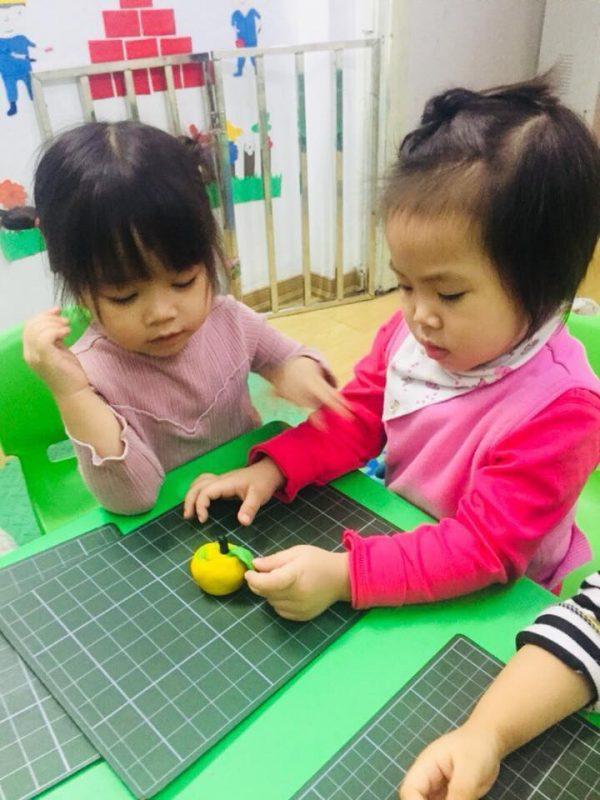 day be cham noi 1 600x800 - Nguyên nhân chậm nói ở trẻ và cách dạy bé chậm nói hiệu quả nhất