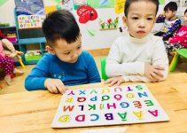 phuong phap montessori 3 1 211x150 - Cha mẹ hãy đồng hành cùng con trong học bảng chữ cái in hoa